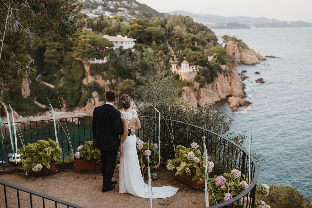 Fotógrafo boda Convent de Blanes. Una boda elegante de estilo mediterráneo a la orilla del mar. Fotografía de bodas en Barcelona y Costa Brava. Juanjo Vega Phtogoraphy