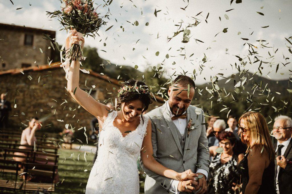 boda al aire libre, boda en masia en la naturaleza, boda en la masia piguillem, fotógrafo de boda en barcelona y girona. Juanjo vega fotógrafo de bodas